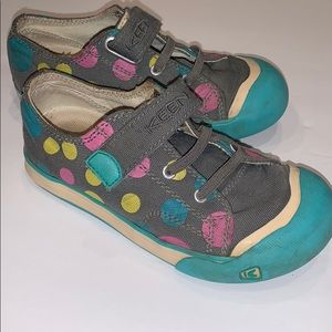 Keen Stretch Lace/Velcro Strap shoes